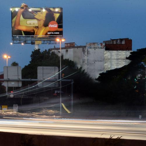 12_ColumnaAu Ricchieri km 2,5 y Caaguazu THC-monocolumna-publicitaria_Delfino Magnum
