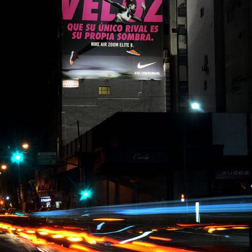 13_Medianeras_Rodriguez-Pena-y-Av-Santa-Fe-medianera-publicitaria-Recoleta-Nike_Delfino Magnus